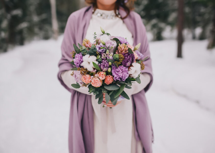 Cuellos, boleros y estolas para novias: accesorios de invierno para tu boda