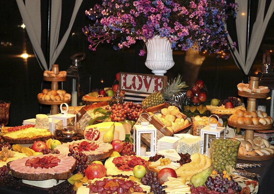 Para un buffet o plato servido en tu matrimonio, ¡Ambrosía Catering nos orienta!