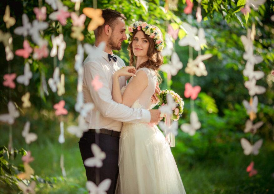 ¿Cómo combinar el vestido con el terno del novio? ¡Desprendan color juntos!