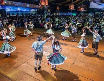 Tanzgruppe Pozuzo-Tirol